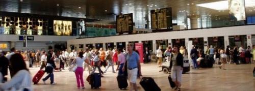 Espa a el consulado argentino colapsa por la cantidad de - Consulado argentino en madrid telefono ...